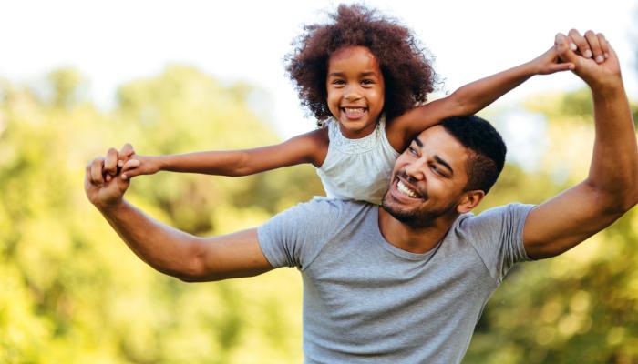 Perbedaan Parallel Parenting dan Pengasuhan Otoriter